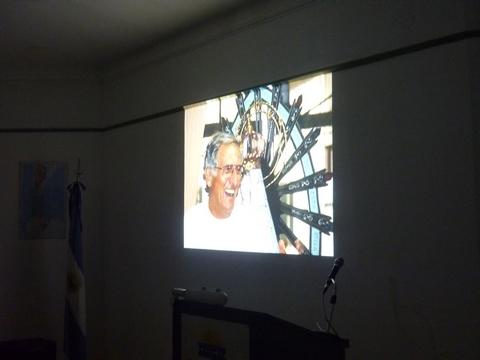 Una imagen de la proyección del filme