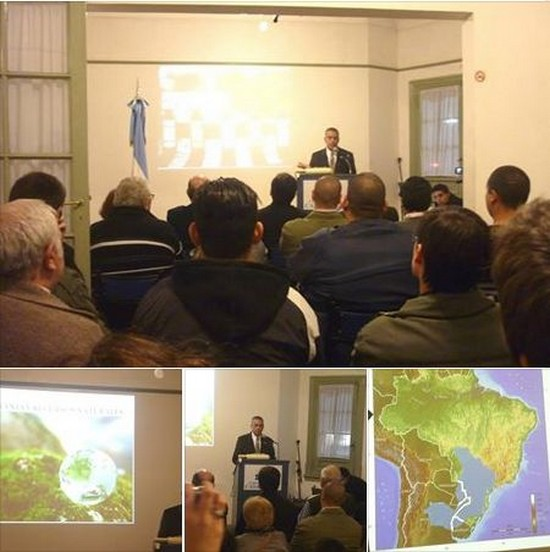 Conferencia Héctor Jaime en Casa Patria - Ver Album de fotos